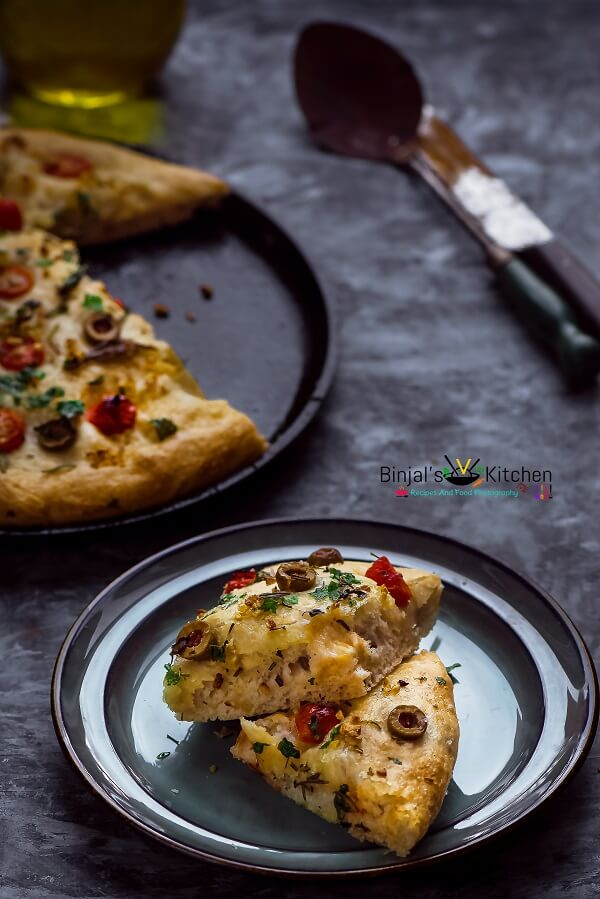 Herbed Focaccia Bread with Olive and Cherry Tomatoes - Binjal's VEG ...